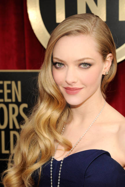Amanda Seyfried Wavy Hairstyle